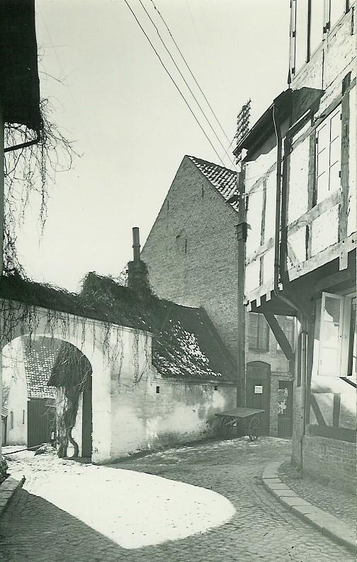 http://www.falkene-haderslev.dk/images/Diverse/historiskebillder/GlBrandvej.jpg
