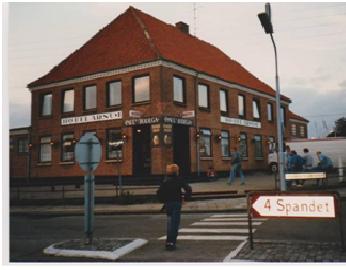 http://www.falkene-haderslev.dk/images/Diverse/klubhuse/Hotel%20Arnum.png