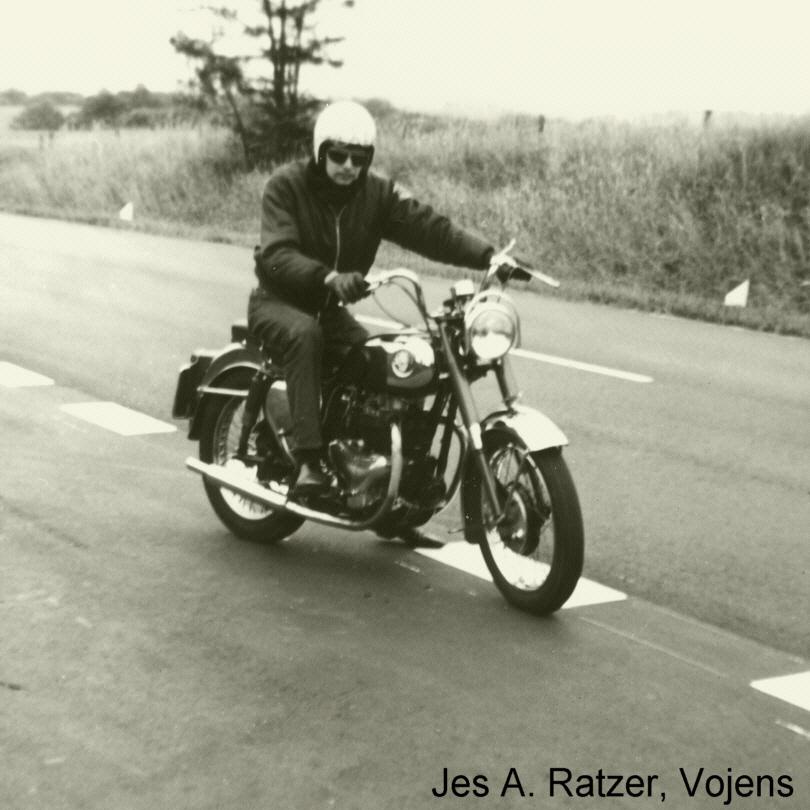 http://www.falkene-haderslev.dk/images/Diverse/Sjakkene/1966_01.jpg