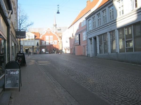 http://www.falkene-haderslev.dk/images/Historie/Rekorden_p_motorcykel_Snderbro_til_Nrregade_426015.jpg