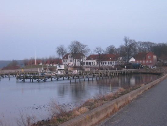 http://www.falkene-haderslev.dk/images/Historie/Tur_til_Kal__en_hjlp__en_kamp_-_p_sygehuset_1.jpg