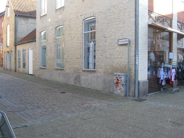http://www.falkene-haderslev.dk/images/Historie/Ulykken_ved_Apotekergade_Smedegade.jpg